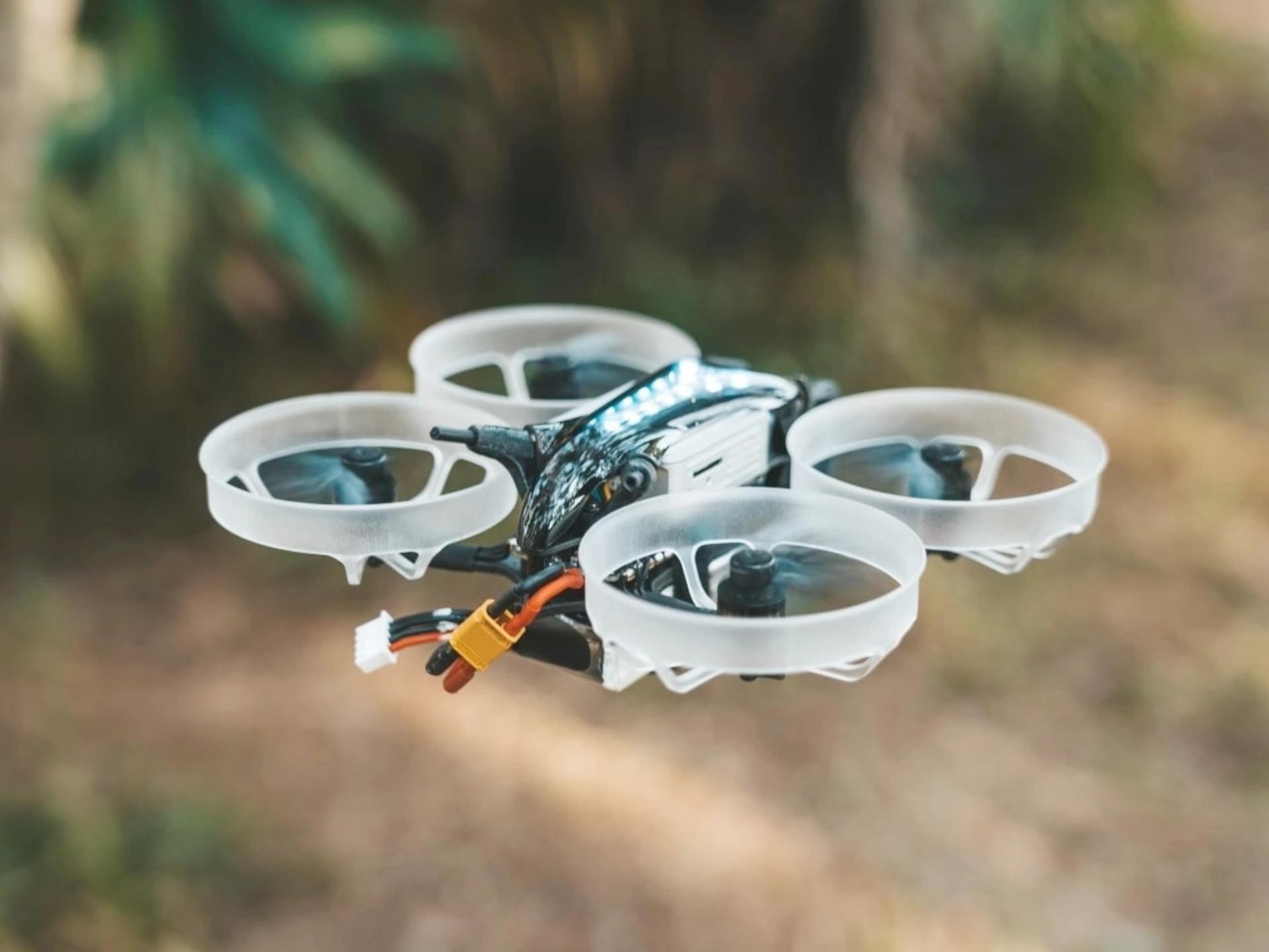10 LƯU Ý KHI ĐIỀU KHIỂN DRONE AN TOÀN 2